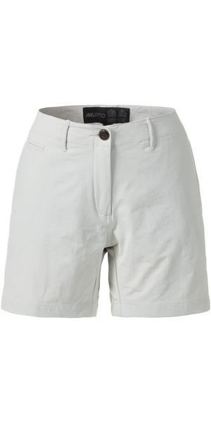 Musto Womens Essential UV Fast Dry 4 pantalones cortos de bolsillo PLATINUM SE2070
