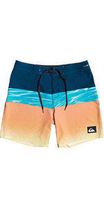 2021 Quiksilver Mens Highline Hold Down 18