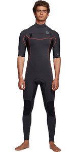 2020 Billabong Mannen Revolutie 2mm Korte Mouw Chest Zip Wetsuit S42m55 - Antiek Zwart
